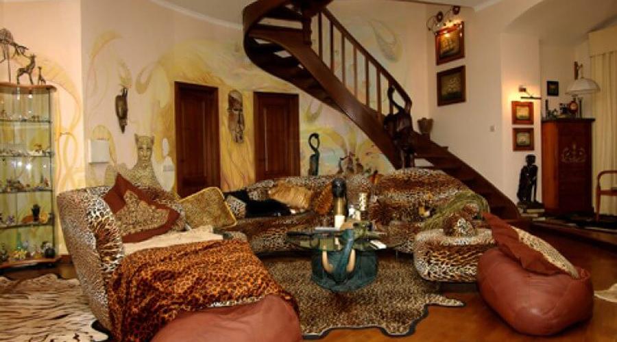 дом Леонтьева